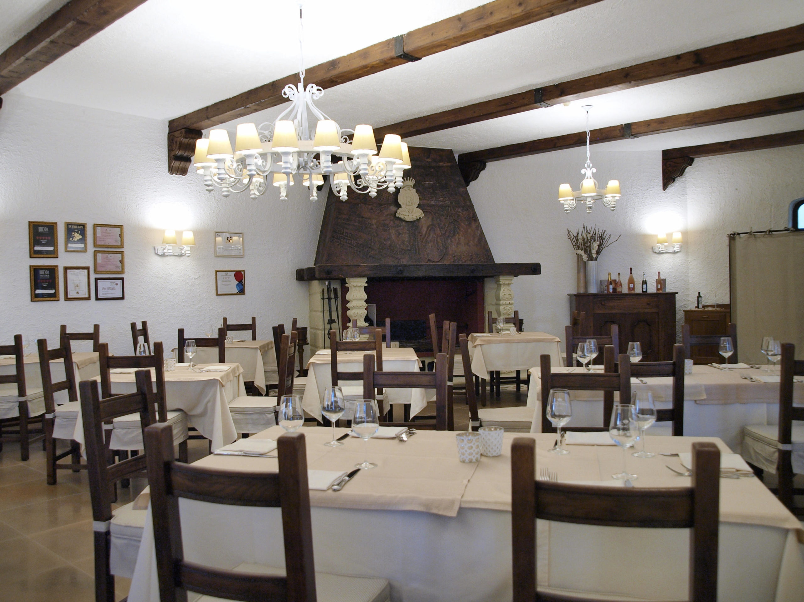 Interno Ristorante Leone De Castris Wine Hotel Salento